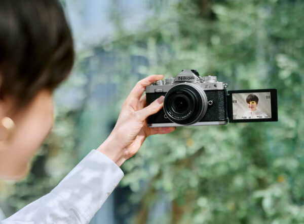 Nikon-Z-fc-selfie